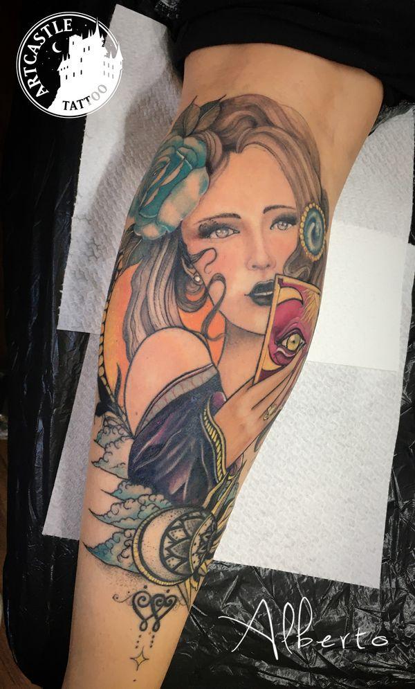 ArtCastleTattoo Tattoo ArtiestAlberto Girl on leg Neo Traditioneel Neo Traditional