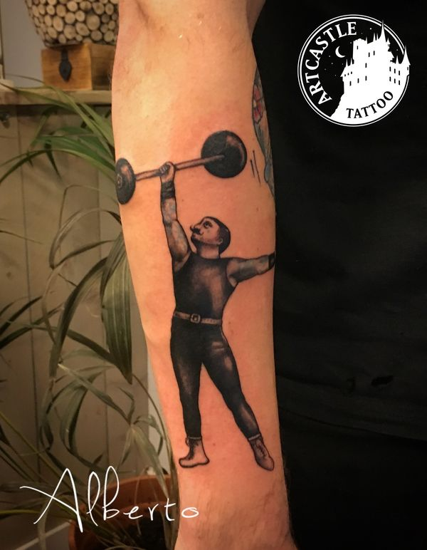 ArtCastleTattoo Tattoo ArtiestAlberto Man on arm Black n Grey Black n Grey