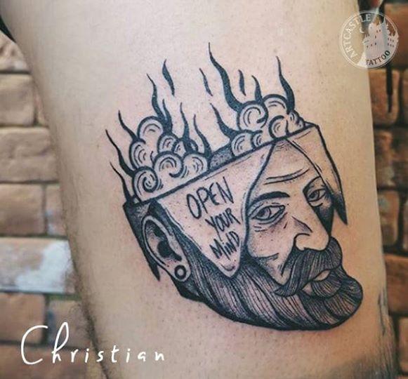 ArtCastleTattoo Tattoo ArtiestChristian Blackwork skull and text Blackwork hoofd en tekst