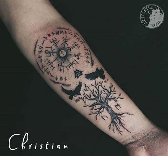 ArtCastleTattoo Tattoo ArtiestChristian Blackwork tree birds and symbols Blackwork boom vogels en symbolen