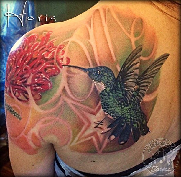 ArtCastleTattoo Tattoo ArtiestHoria Realistic hummingbird tattoo in color on shoulder Color