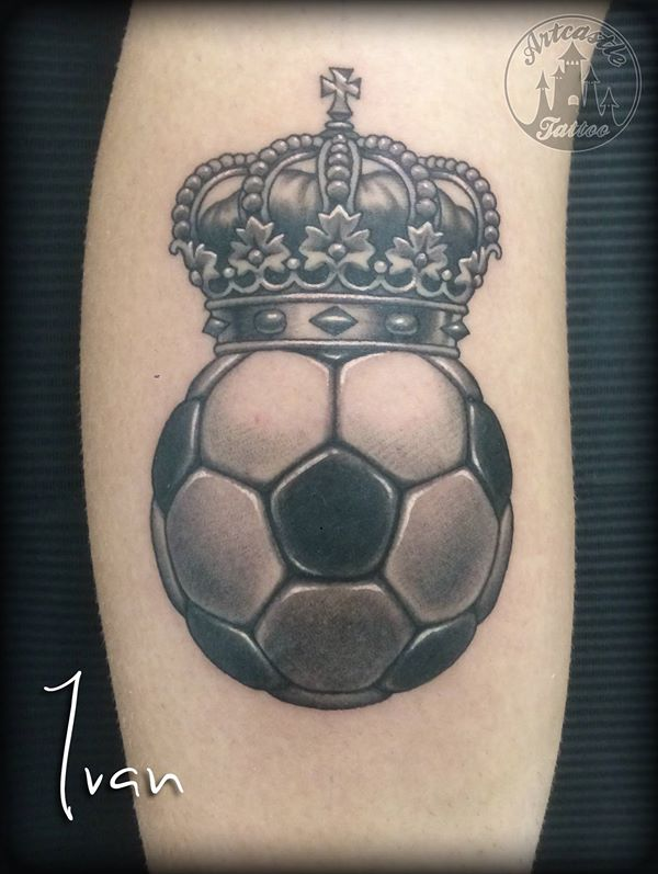 ArtCastleTattoo Tattoo ArtiestIvan Football with crown. Black n grey Black n grey