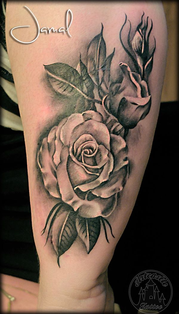 ArtCastleTattoo Tattoo ArtiestJamal Scar cover up with Roses and Leaves Black n Grey