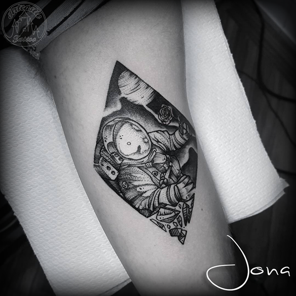 ArtCastleTattoo Tattoo ArtiestJona Blackwork astronaut with space background in diamond shape with details Blackwork