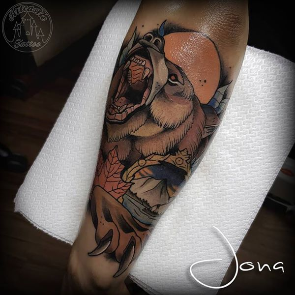 ArtCastleTattoo Tattoo ArtiestJona Neo traditional bear lower arm Color