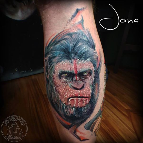 ArtCastleTattoo Tattoo ArtiestJona Realistic color portrait of Caesar from Planet of the Apes Portrait