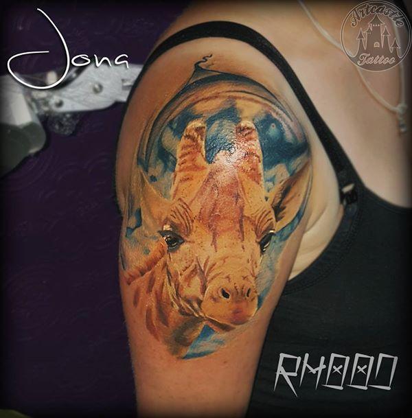 ArtCastleTattoo Tattoo ArtiestJona Realistic giraffe tattoo in full color Color