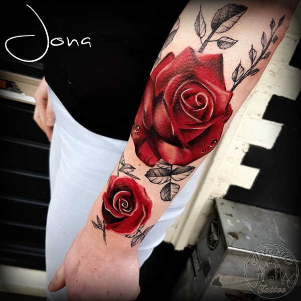 ArtCastleTattoo Tattoo ArtiestJona Realistic red roses tattoo sleeve on arm Color