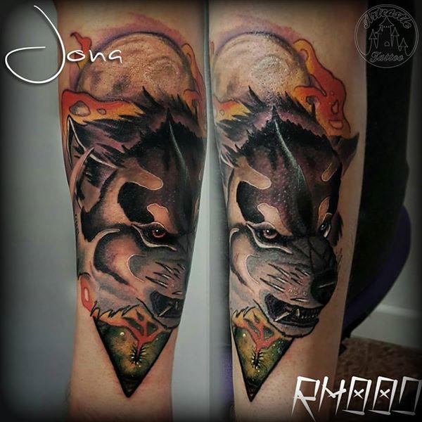 ArtCastleTattoo Tattoo ArtiestJona Wolf in full color Neo Traditional