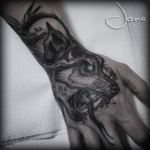 ArtCastleTattoo Tattoo ArtiestJona Wolf in stunning detailed blackwork on hand Blackwork