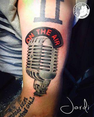 ArtCastleTattoo Tattoo ArtiestJordi Microphone on arm Color