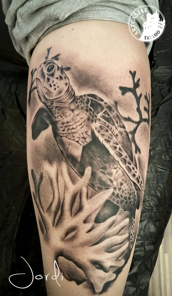 ArtCastleTattoo Tattoo ArtiestJordi Turtle on leg Realism