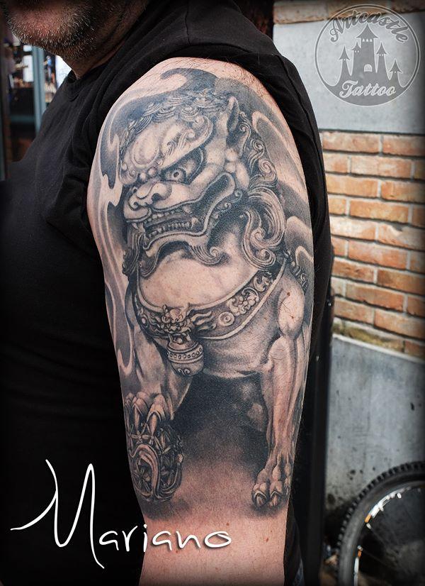 ArtCastleTattoo Tattoo ArtiestMariano Foo dog halve sleeve. Japanese Japans