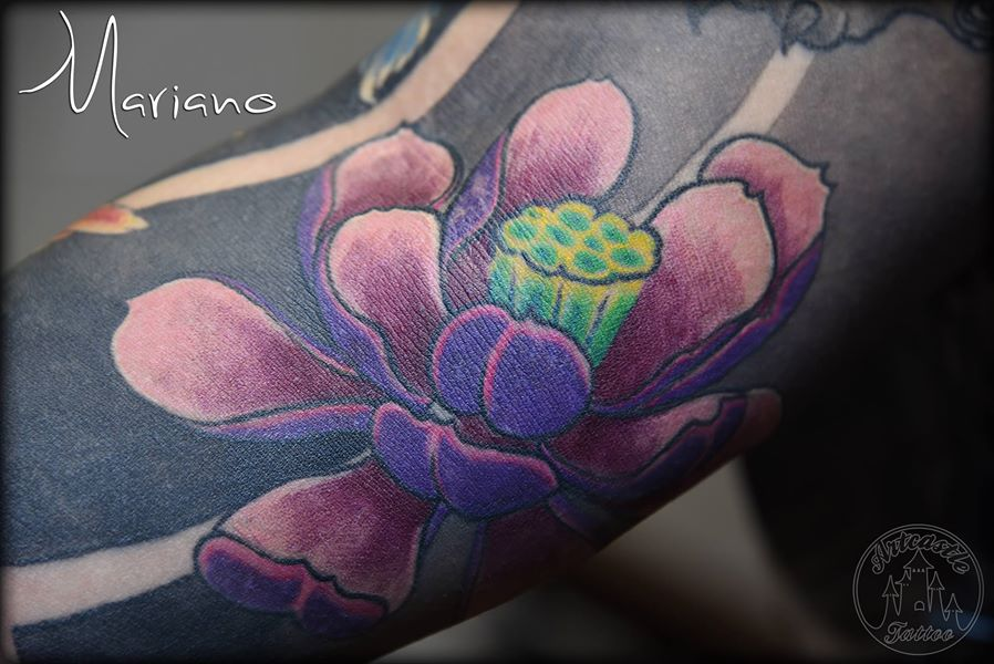 ArtCastleTattoo Tattoo ArtiestMariano Purple lotus all healed up detail on traditional japanese sleeve Sleeves
