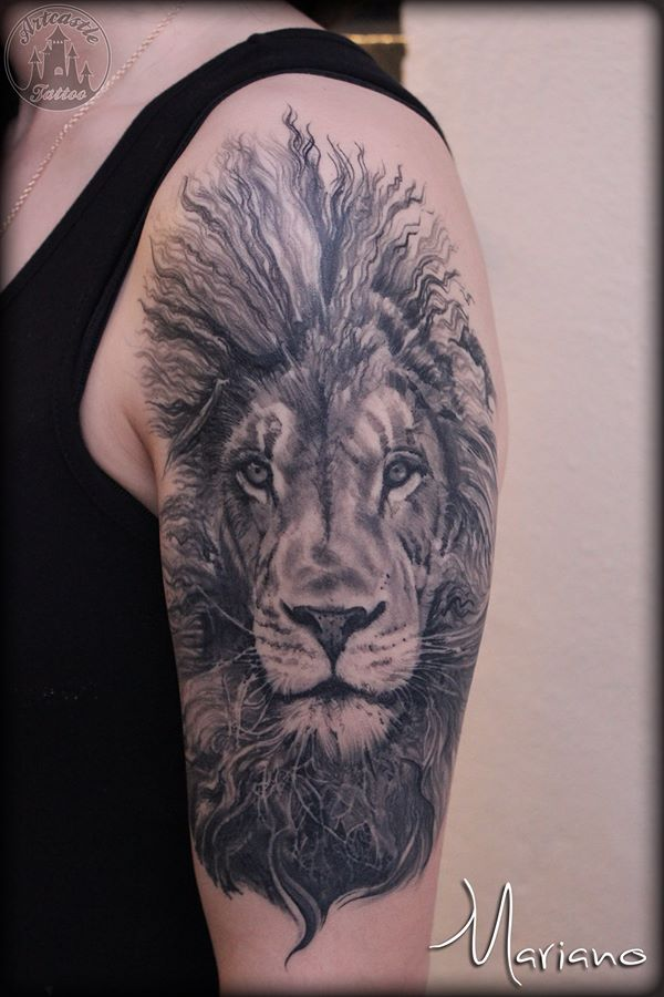 ArtCastleTattoo Tattoo ArtiestMariano Realistic lion head tattoo healed upper arm Black n Grey