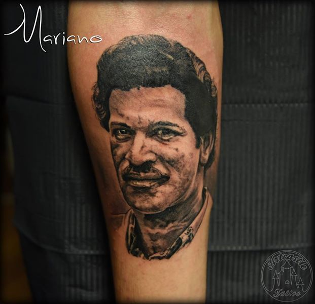 ArtCastleTattoo Tattoo ArtiestMariano Realistic portrait tattoo of a Dad in blackngrey Portraits