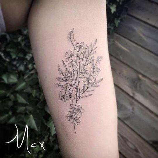 ArtCastleTattoo Tattoo ArtiestMax Bouquet of flowers on arm