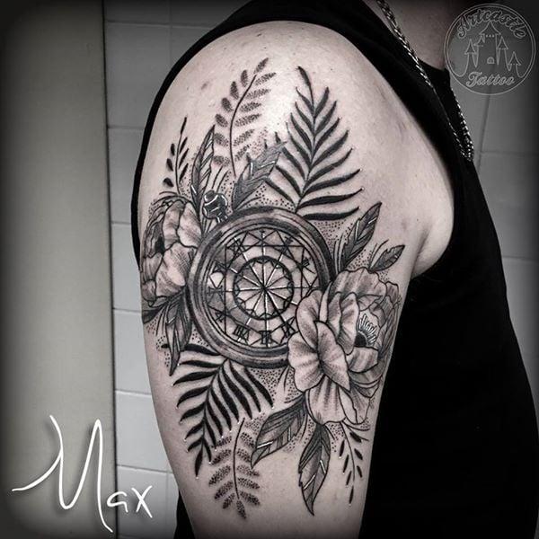 tattoo man binnen arm