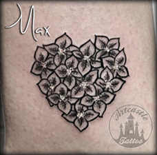 ArtCastleTattoo Tattoo ArtiestMax Tiny flowers in the shape of a heart Black n Grey