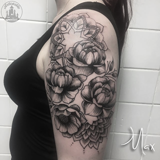 ArtCastleTattoo Tattoo ArtiestMax Two mandalas with large flowers with shading on upper arm in black n grey Mandala