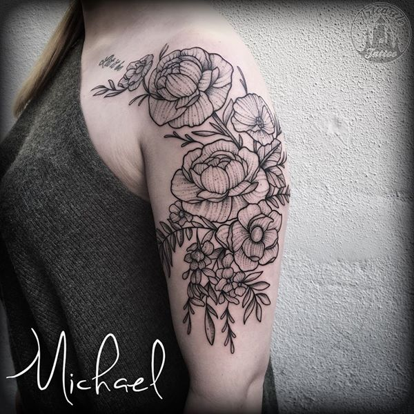 ArtCastleTattoo Tattoo ArtiestMichael Flowers half sleeve with dotwork upper arm Blackwork