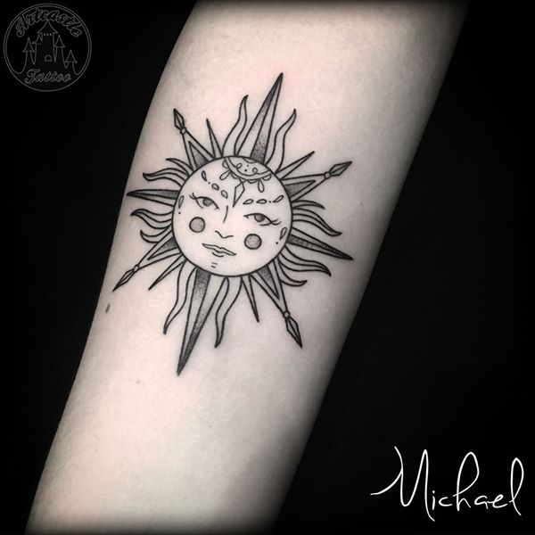 ArtCastleTattoo Tattoo ArtiestMichael Linework of a traditional sun with classic face and fine tight lines Blackwork