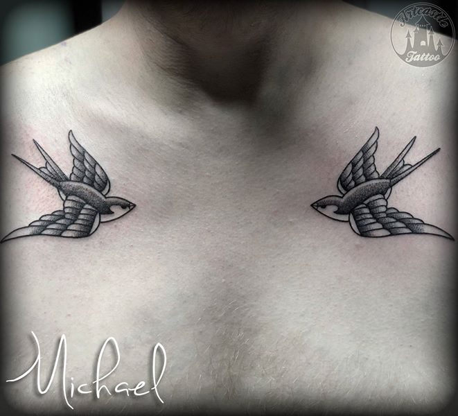 ArtCastleTattoo Tattoo ArtiestMichael swallows on chest Traditioneel Traditional