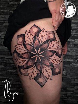 ArtCastleTattoo Tattoo ArtiestPrive Ilya Mandala on leg Blackwork