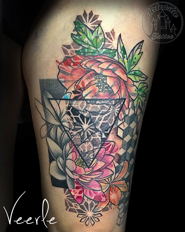 ArtCastleTattoo Tattoo ArtiestVeerle Flower piece with full color flowers and black and grey flowers and geometrical elements Color