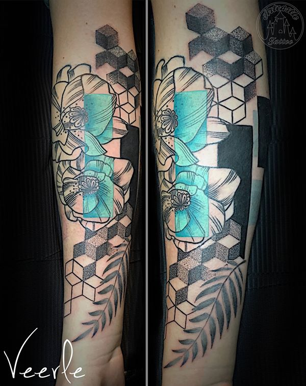 ArtCastleTattoo Tattoo ArtiestVeerle Flowers tattoo with geometrical elements and a splash of blue Black n Grey