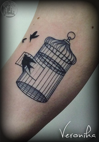 ArtCastleTattoo Tattoo ArtiestVeronika Bird cage with birds Minimal