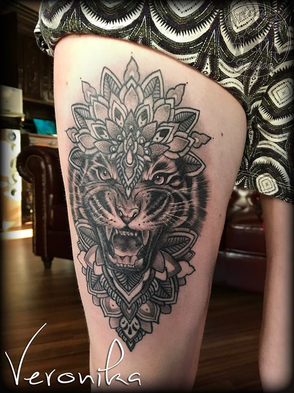 ArtCastleTattoo Tattoo ArtiestVeronika Black n grey realistic Tiger tattoo with mandala upper leg Mandala