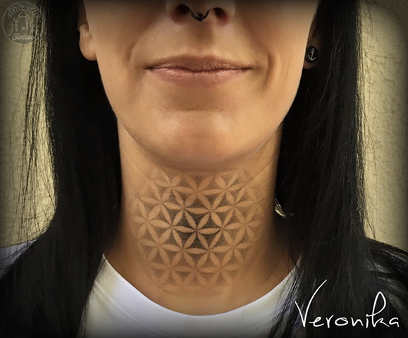 ArtCastleTattoo Tattoo ArtiestVeronika Flower of life in soft black n grey shading on neck Mandala