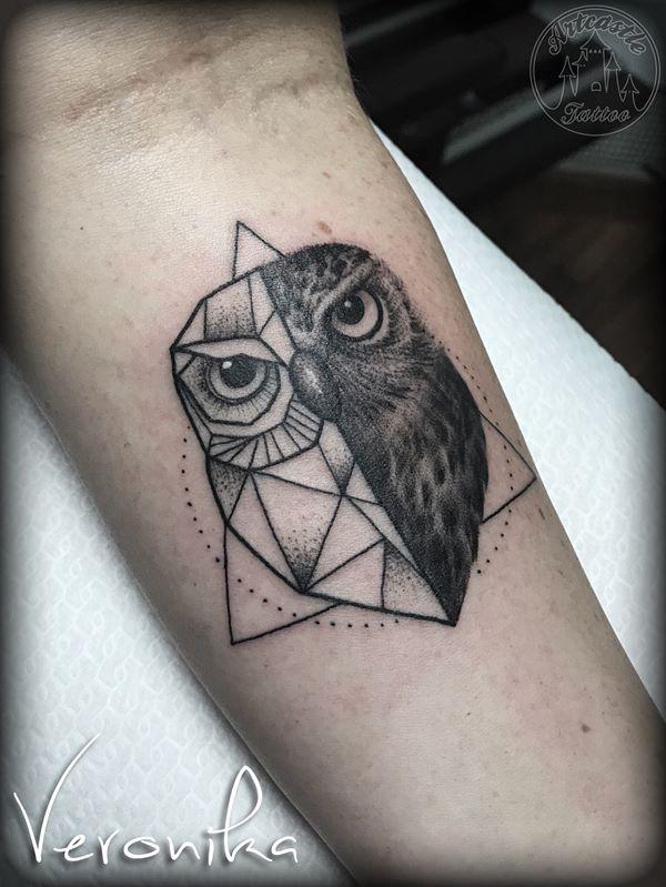 ArtCastleTattoo Tattoo ArtiestVeronika Geometric owl tattoo lower arm Minimal
