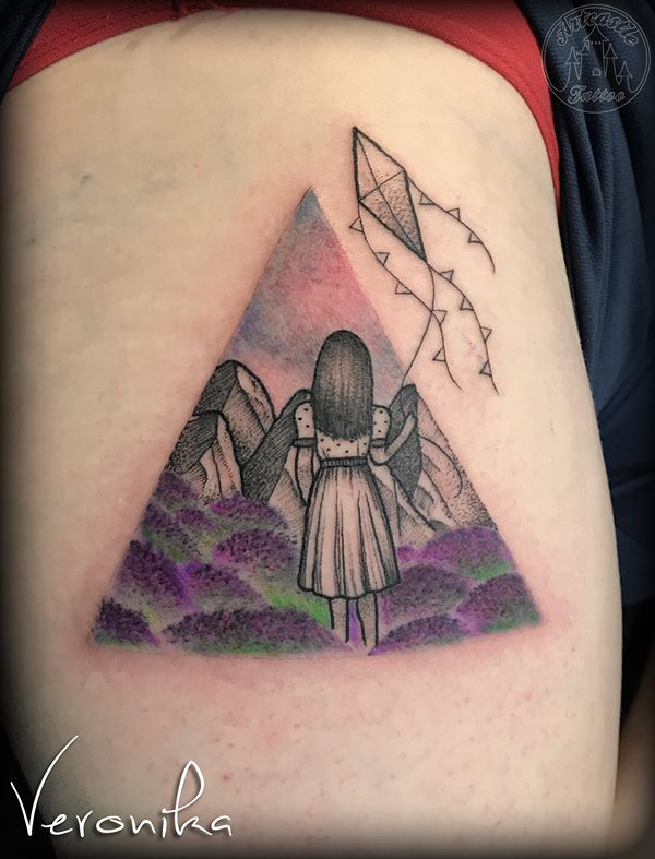ArtCastleTattoo Tattoo ArtiestVeronika Girl with a kite in a landscape Color