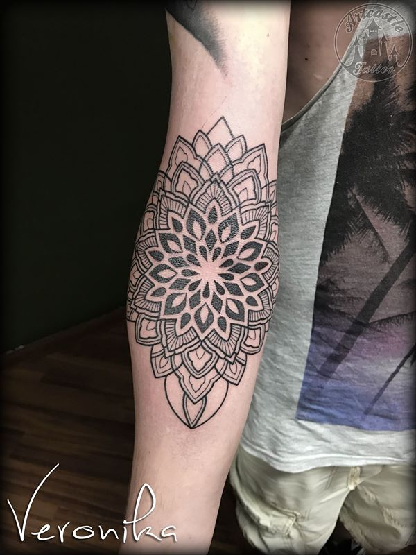 ArtCastleTattoo Tattoo ArtiestVeronika Mandala in ditch. Mandala Mandala