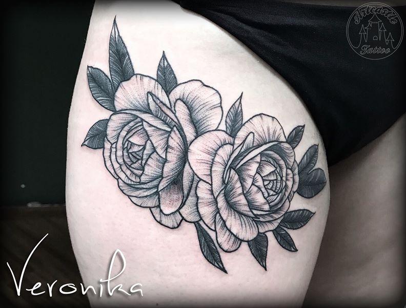ArtCastleTattoo Tattoo ArtiestVeronika Peonies on thigh. Black n grey Black n grey