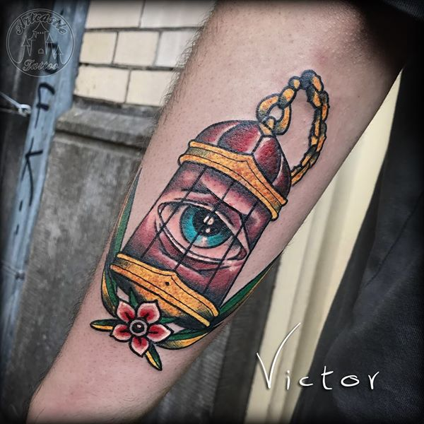 ArtCastleTattoo Tattoo ArtiestVictor Bird cage with eye Traditioneel Traditional