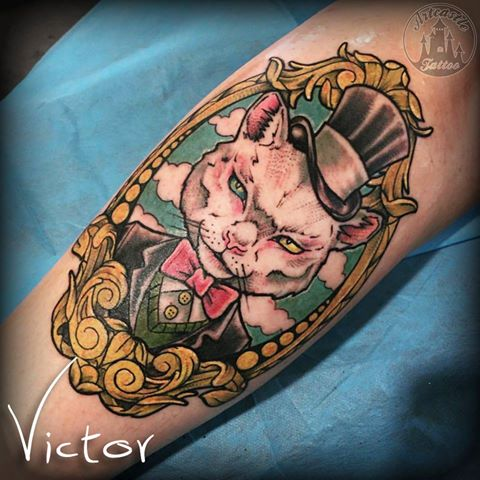 ArtCastleTattoo Tattoo ArtiestVictor Color cat with top hat tattoo Neo Traditioneel Neo Traditional