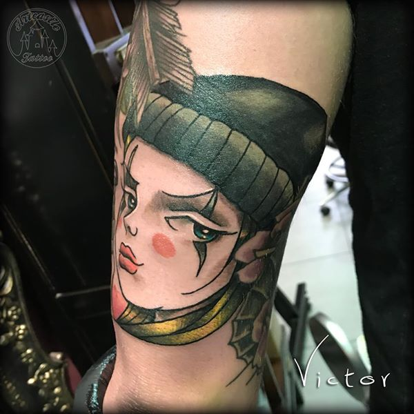 ArtCastleTattoo Tattoo ArtiestVictor Girl on upper arm Traditioneel Traditional