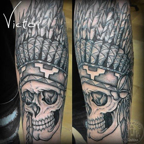 ArtCastleTattoo Tattoo ArtiestVictor Native American indian skull tattoo lower arm Neo Traditioneel Neo Traditional
