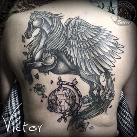 ArtCastleTattoo Tattoo ArtiestVictor Pegasus with globe tattoo Back Neo Traditioneel Neo Traditional