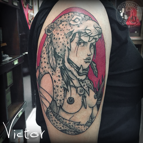 ArtCastleTattoo Tattoo ArtiestVictor Warrior girl leopard head tattoo upper arm Neo traditioneel Neo Traditional
