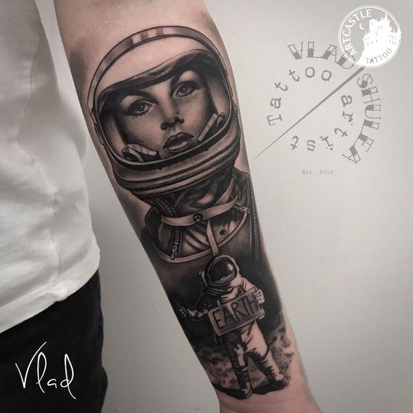 ArtCastleTattoo Tattoo ArtiestVlad Black n Grey realism lowerarm Portrait